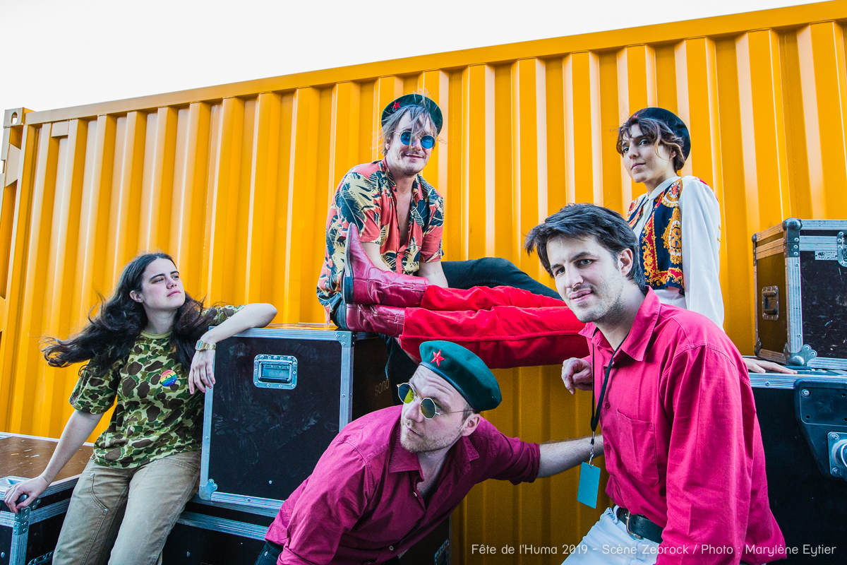 Michelle Blades et ses musiciens prennent la pose (avec style) après leur show.